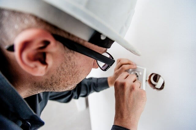 Online marketing for electricians.