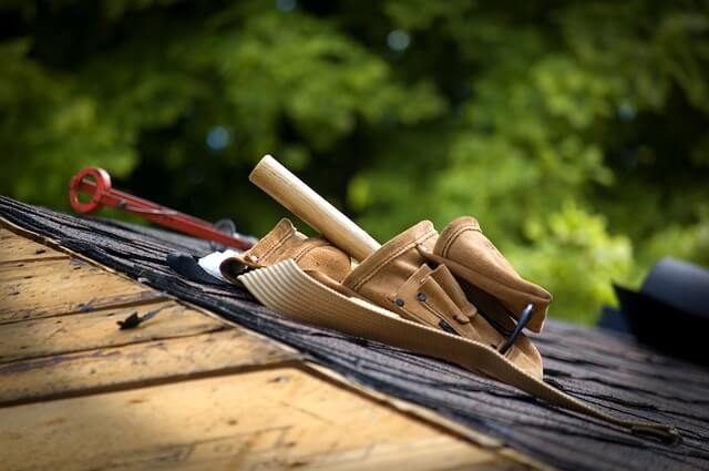 Residential and commercial roofer marketing.